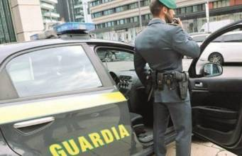 Commercialista viareggina arrestata a Prato: ha raggirato due clienti per 50mila euro