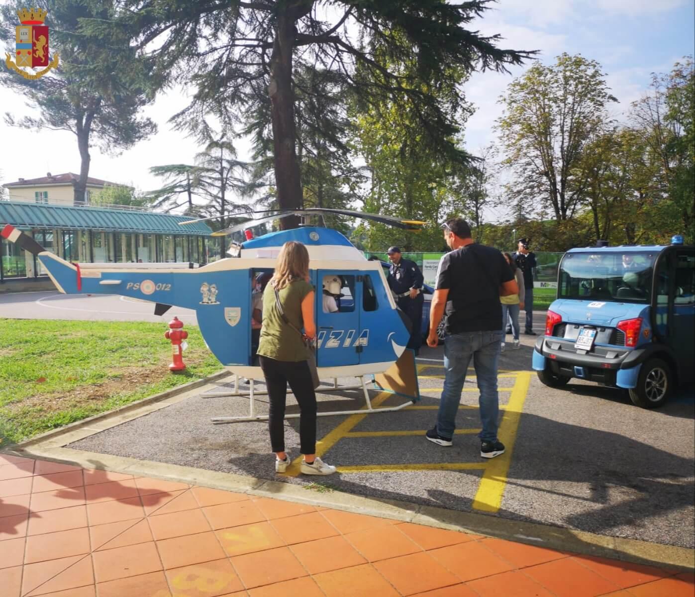 La Polizia di Stato festeggia San Michele Arcangelo insieme ai bimbi dell'ospedale Meyer