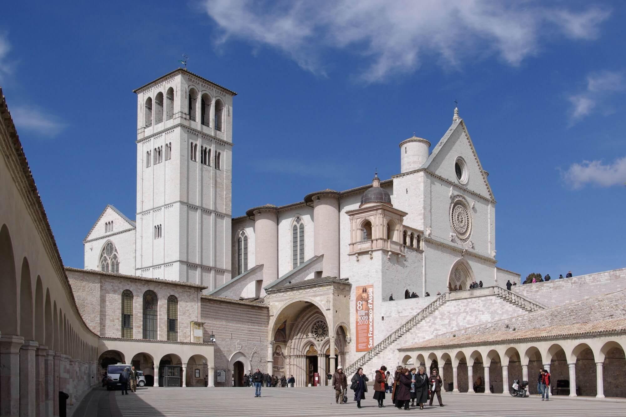 Venerdì ad Assisi la Toscana dona l'olio per la lampada di San Francesco
