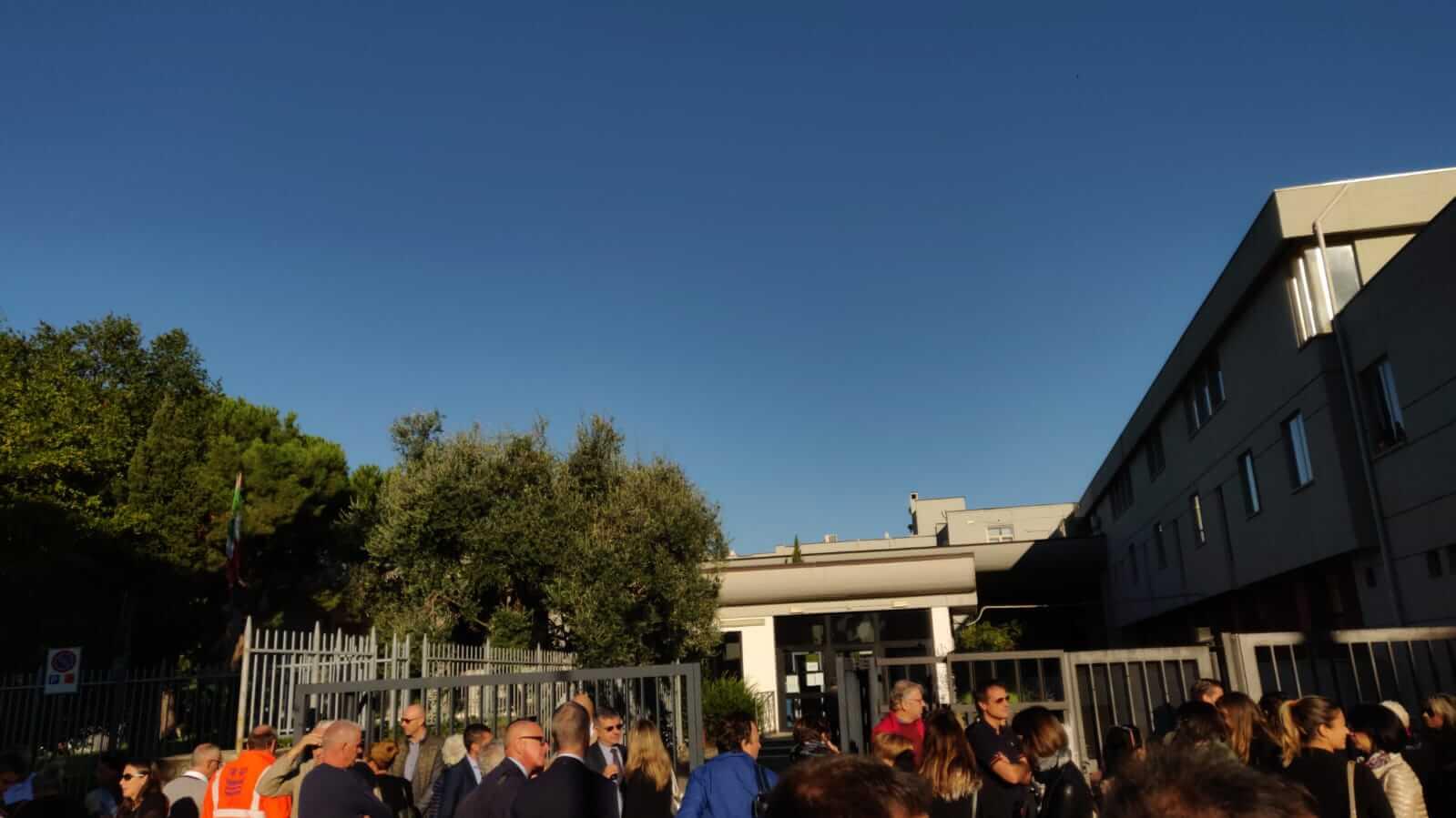 Allarme bomba, evacuato il tribunale di Massa
