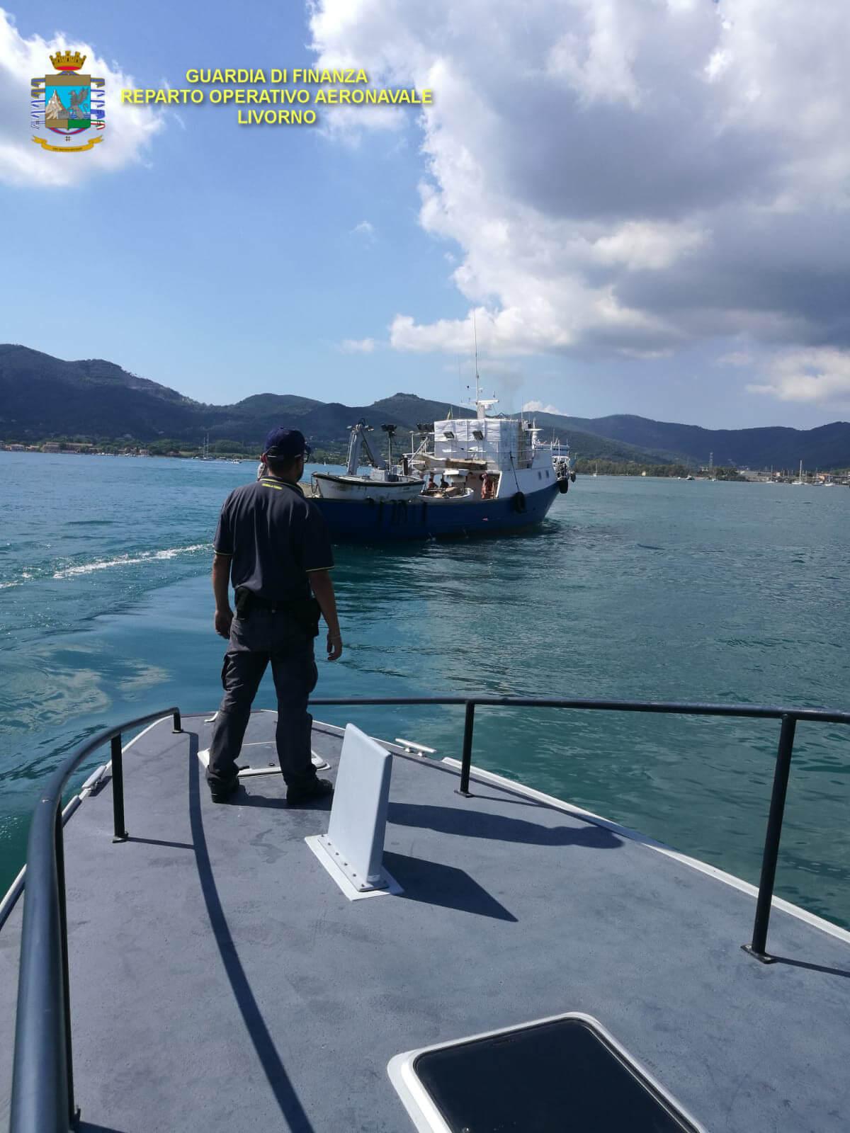 Lavoratori irregolari a bordo di imbarcazioni, i controlli del Roan a Portoferraio