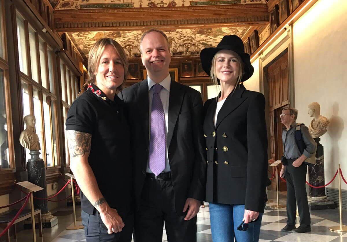 Uffizi, Kylie Minogue e Nicole Kidman in visita al museo