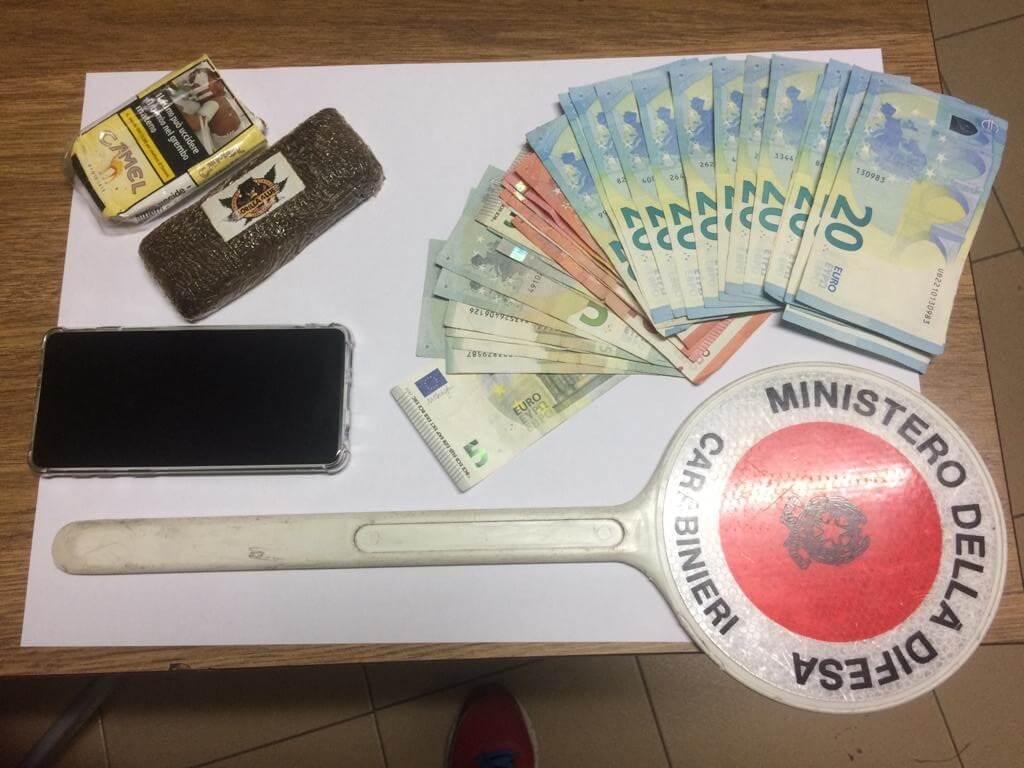 Trovato con 1 etto di droga e soldi, arrestato a Montecatini Terme un giovane studente incensurato