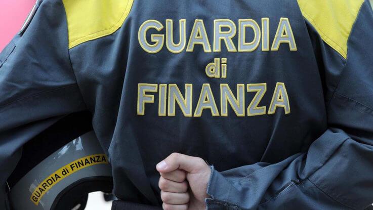 Lucca: truffa nel settore alberghiero, 12 persone indagate