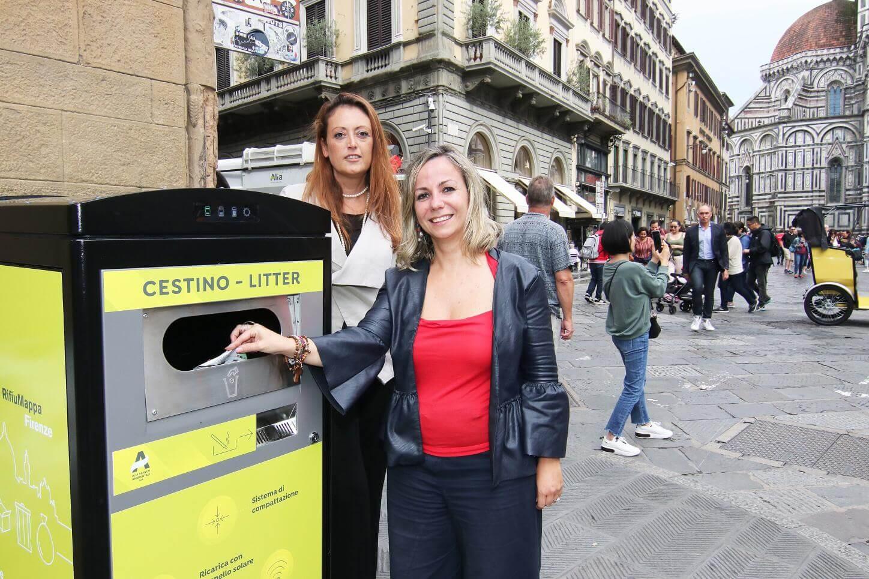 In centro storico installati dieci nuovi cestini compattanti a energia solare