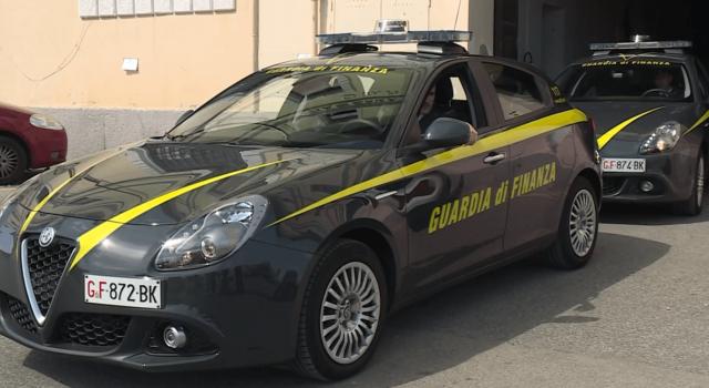 Maxi evasione di Iva dalla vendita di auto straniere, otto persone sotto accusa