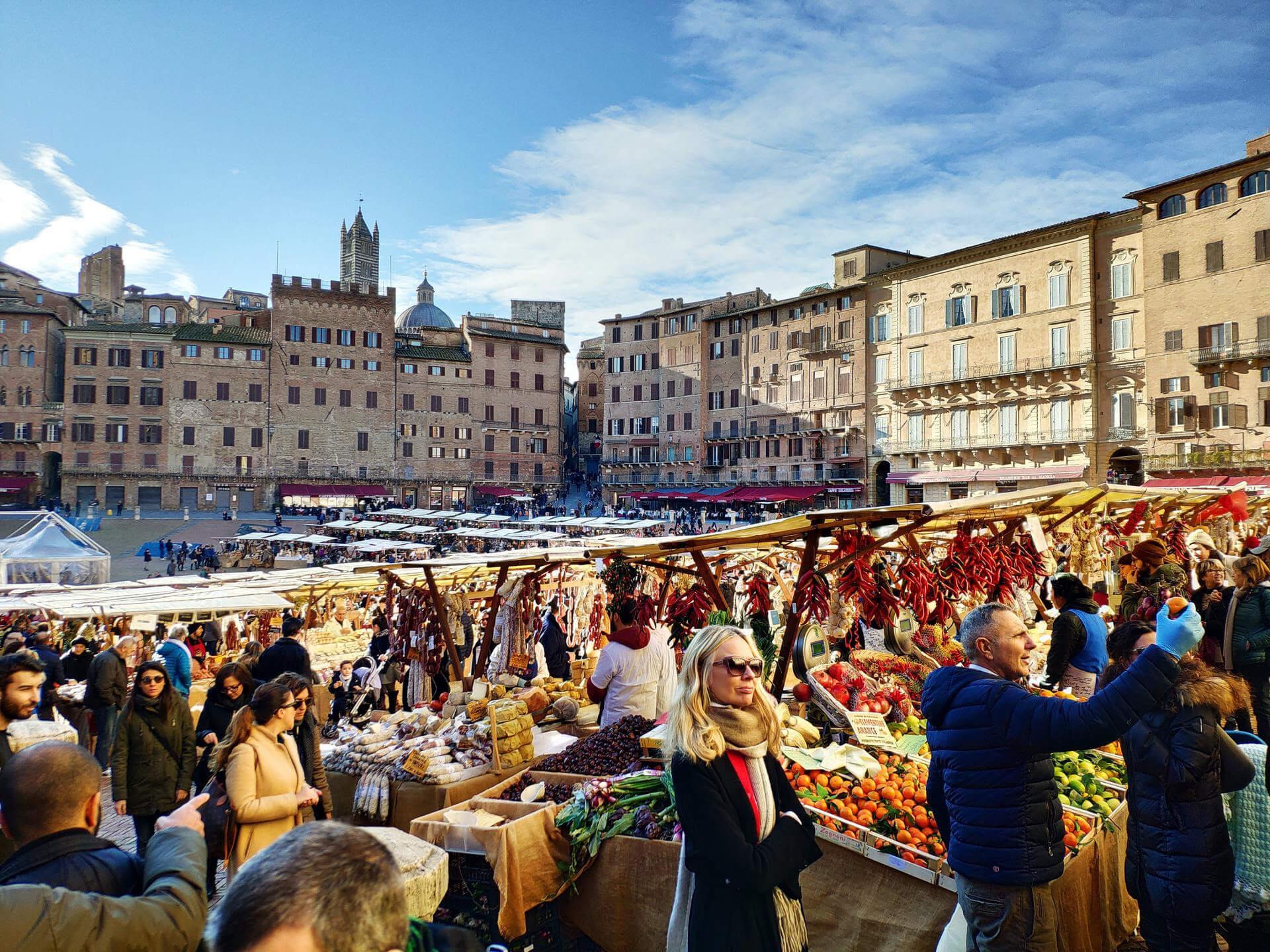 Siena: lo shopping come nel medioevo