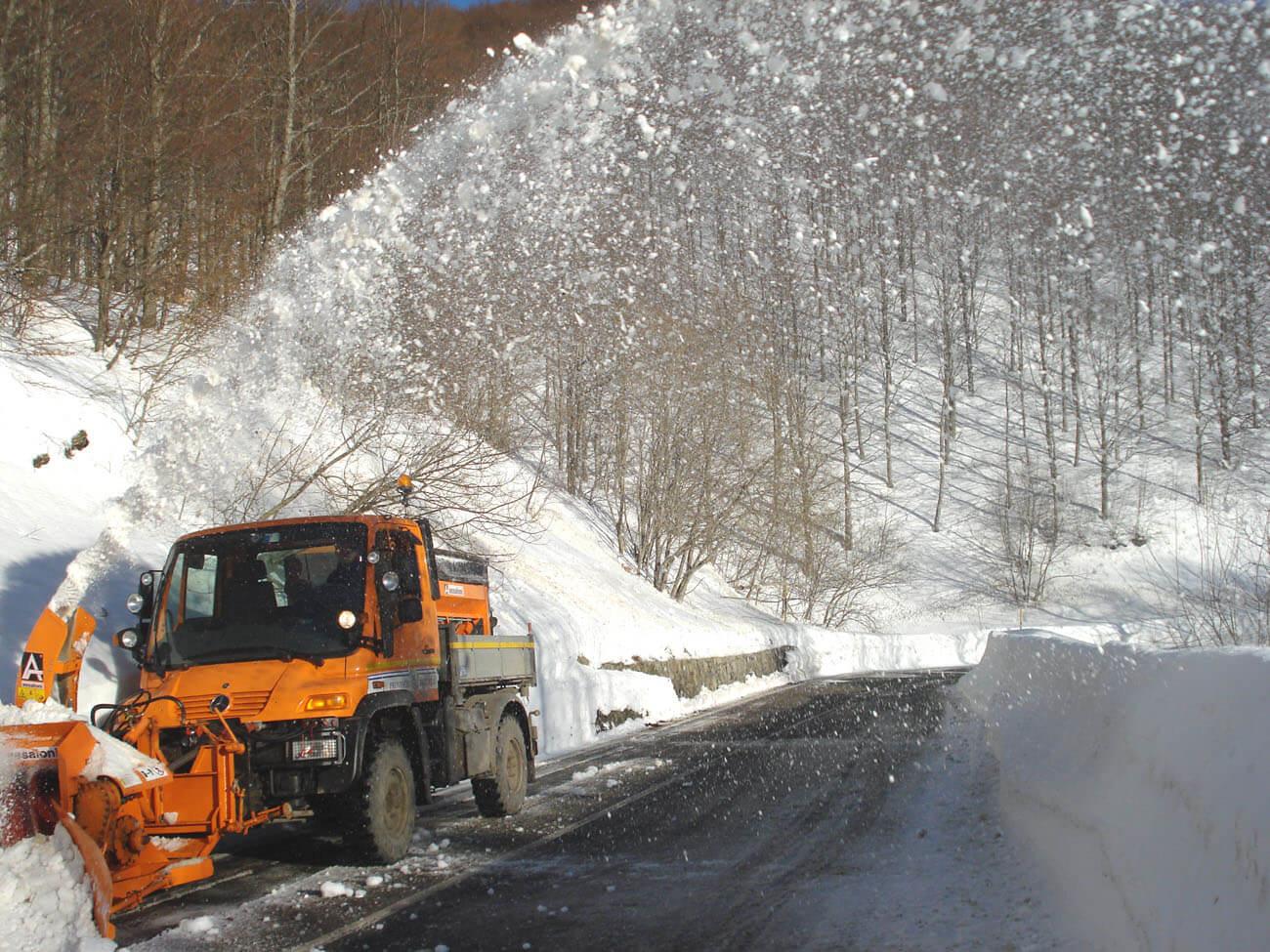Emergenza neve: ancora disagi in Garfagnana e sulla montagna pistoiese