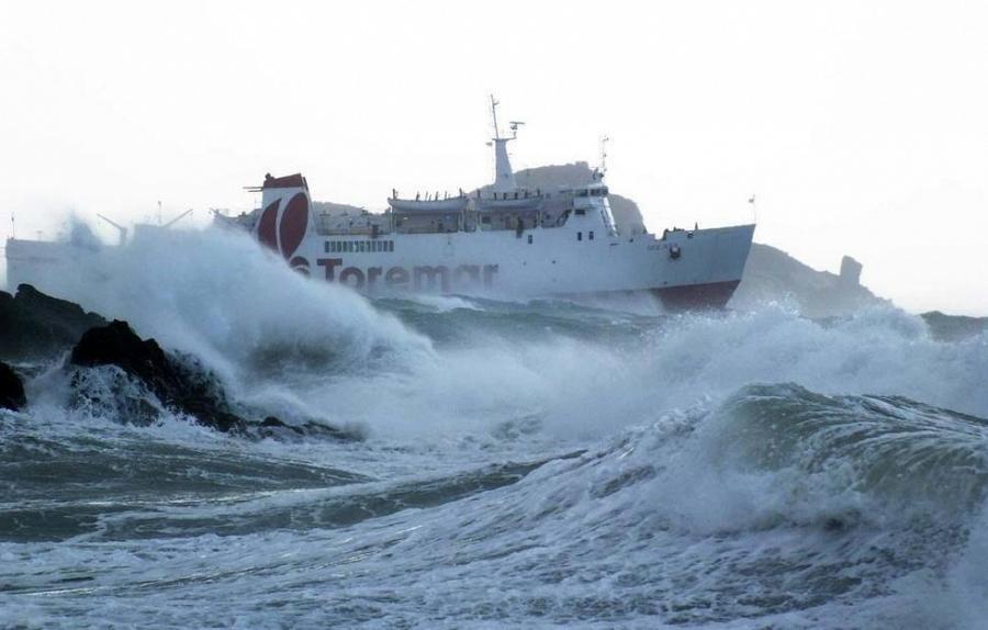 Maltempo, interrotti i collegamenti con l'Isola d'Elba