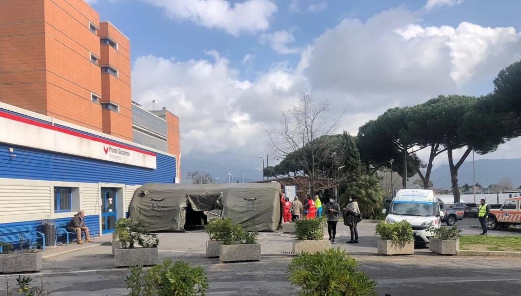 Covid, aumento esponenziale dei casi: provvedimenti straordinari dell'Asl Toscana Nord Ovest