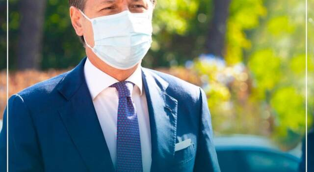 Covid, Conte in diretta annuncia le nuove misure di contenimento del contagio