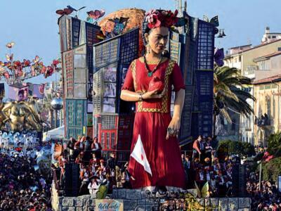 Chiara Ferragni e Giuseppe Conte tra i 'protagonisti' del Carnevale di Viareggio