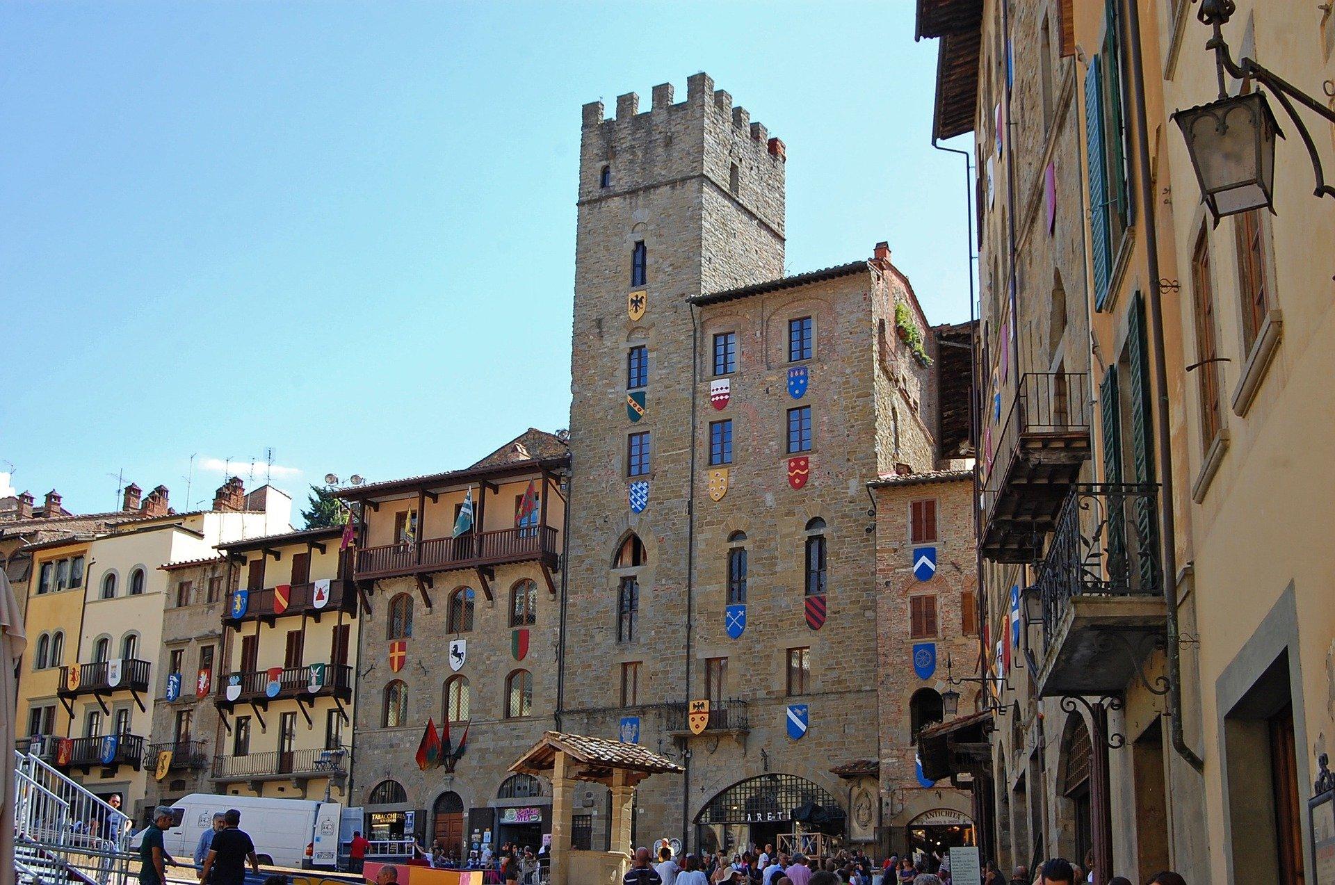Arezzo, l'ass. Monni in visita alla Chimet Spa