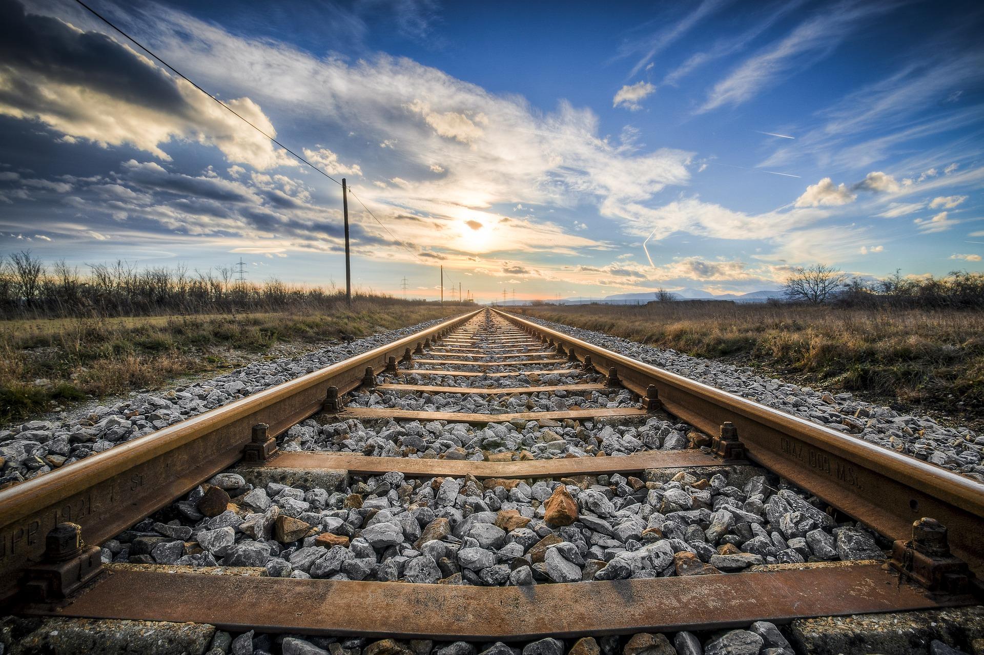 Danni alla rete delle ferrovie, disagi tra Lucca e Pistoia