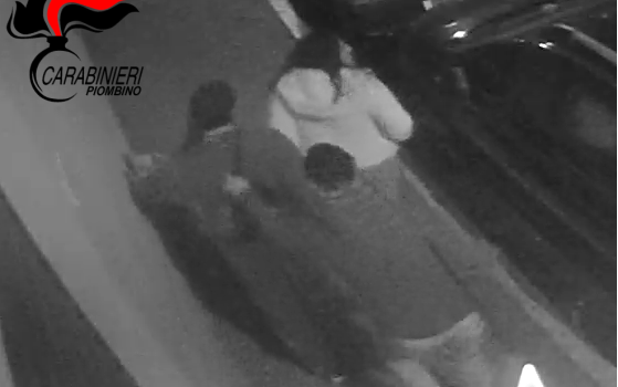 Rapina in centro a Piombino, arrestato l'autore dai carabinieri