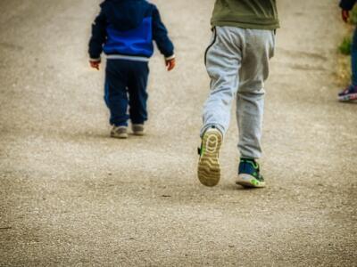 Minorenni creano un gruppo whatApp per scambio materiale pedoponografico