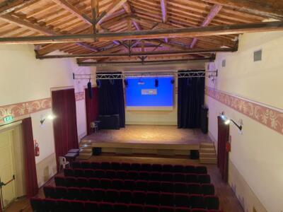 Impianti e strutture, il teatro  cambia look