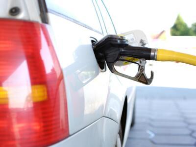 Erogava meno carburante di quello segnalato: sequestrata pompa benzina