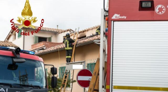 Due incendi nel pomeriggio: muore un cane, evacuate due abitazioni