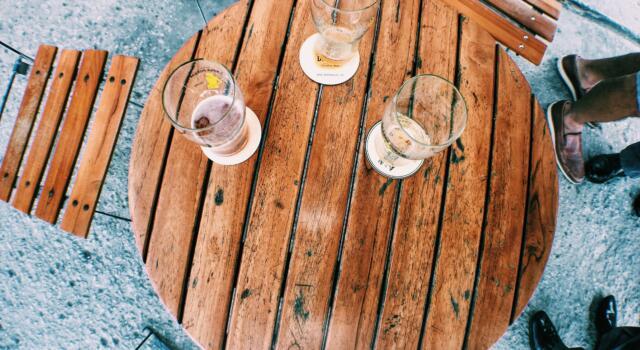 Sedie e tavolini fuori dai locali, due mesi per presentare nuove richieste
