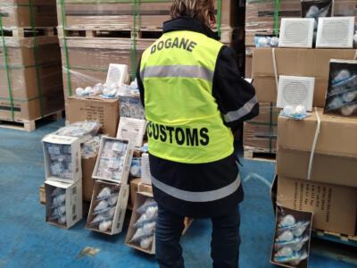Porto di Livorno: fermo amministrativo di 20.000 apparecchiature elettriche irregolari