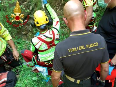 Cade da cavallo, ferito traportato in elisoccorso in ospedale