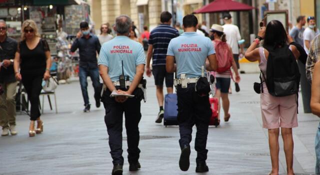 Polizia Municipale Pisa, intensificate attività di controllo e sorveglianza in città e sul litorale
