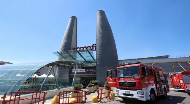 """Incendio centro commerciale Ponte a Greve (Firenze), la Filcams Cgil: """"Tutelare i lavoratori"""""""