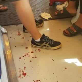 Firenze: sangue su un vagone della tramvia