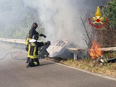 Vigili del Fuoco di Arezzo in azione per un incidente