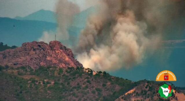 Toscana, ass. protezione civile: Tre incendi al giorno, il 30% è doloso