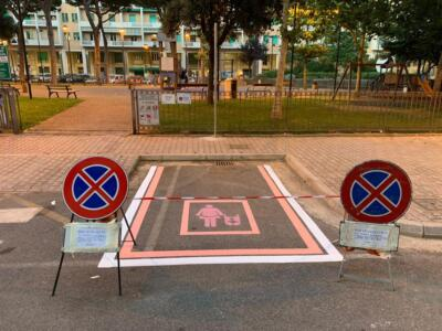 Panchine inclusive e parking rosa: a Piombino nuove opere nel segno dell'accessibilità