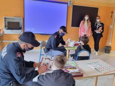 """""""Il Mio Diario"""", la Polizia di Stato insieme ai bambini delle scuole primarie nel percorso scolastico"""