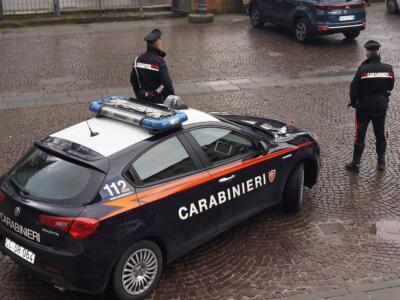 Fugge in moto all'alt dei Carabinieri e si schianta, preso con la droga