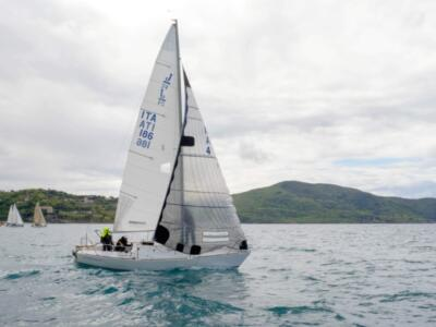 Vela, le Flotte J24 in regata da Marina di Carrara a Genova fino ad Agropoli