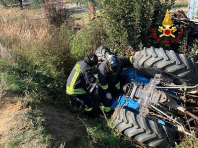 Uomo rimasto incastrato sotto un trattore, intervenuti Vigili del fuoco
