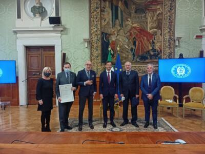 """""""Vite sospese"""" della Pisa University Press vince il premio della Presidenza del Consiglio dei Ministri"""
