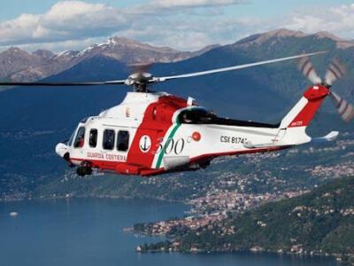 Infortunio a bordo, soccorso dall'elicottero della guardia costiera